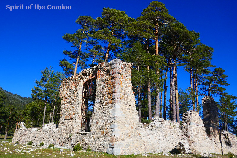 The beautifully situated woodland ruins of Casa Eraso, a 16th-century royal way station after the mountain pass at Puerto de la Fuenfría.