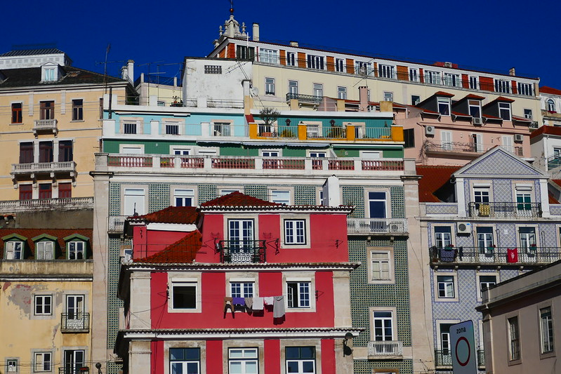 Trying to capture the mood of Lisbon with photographs on a website.